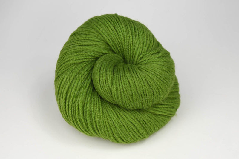 Deluxe Worsted - NEW Yarn Universal Yarn 61633 Greenery