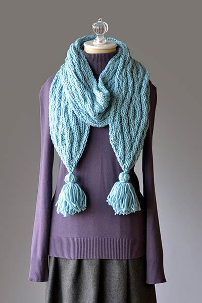 Nesting Diamonds Scarf Pattern Universal Yarn