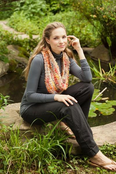 Goldfish School Cowl Pattern Universal Yarn