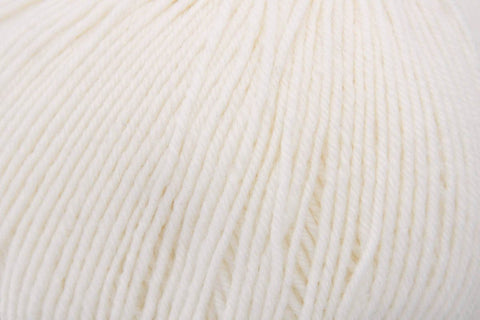 Bella Cash Yarn Universal Yarn 111 Cream