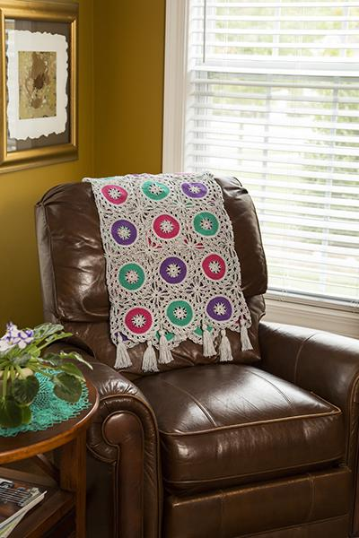 Bold Circles Throw Pattern Fibra Natura