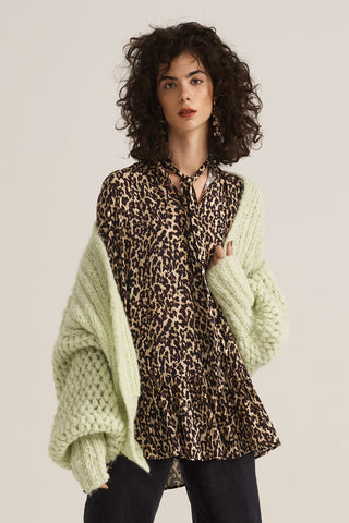 FASHION LIGHT LUXURY - Crochet Cardigan and Shawl