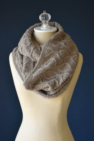 Twisted Dee Cowl