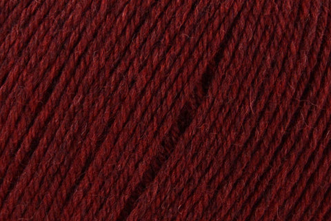 Deluxe Worsted Superwash Yarn Universal Yarn 751 Pomegranate Heather