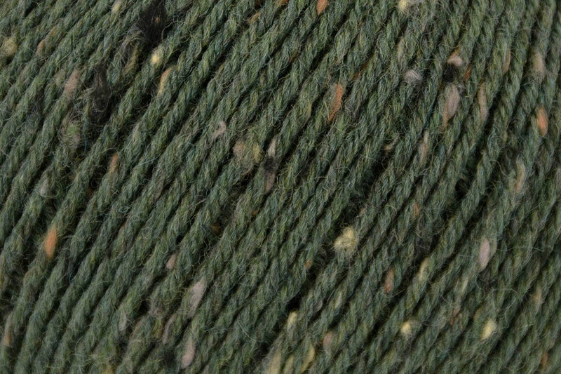 Deluxe Worsted Tweed Yarn Universal Yarn 905 Pine