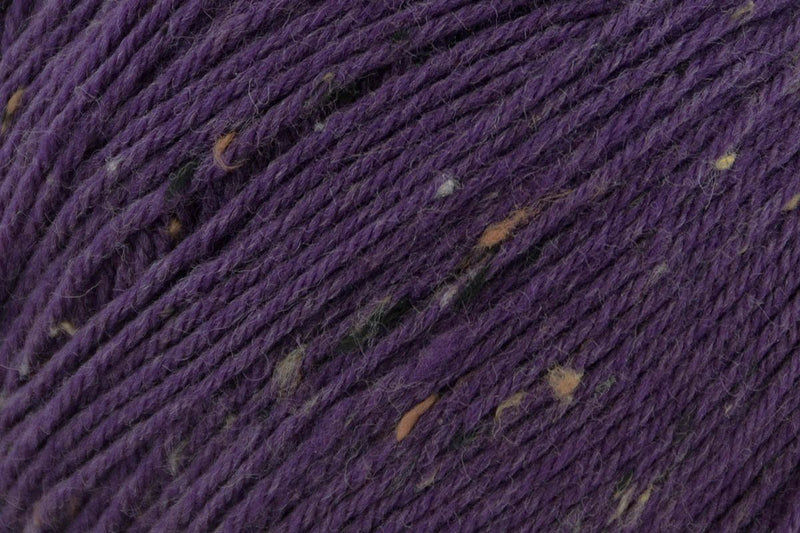 Deluxe Worsted Tweed Yarn Universal Yarn 909 Raisin