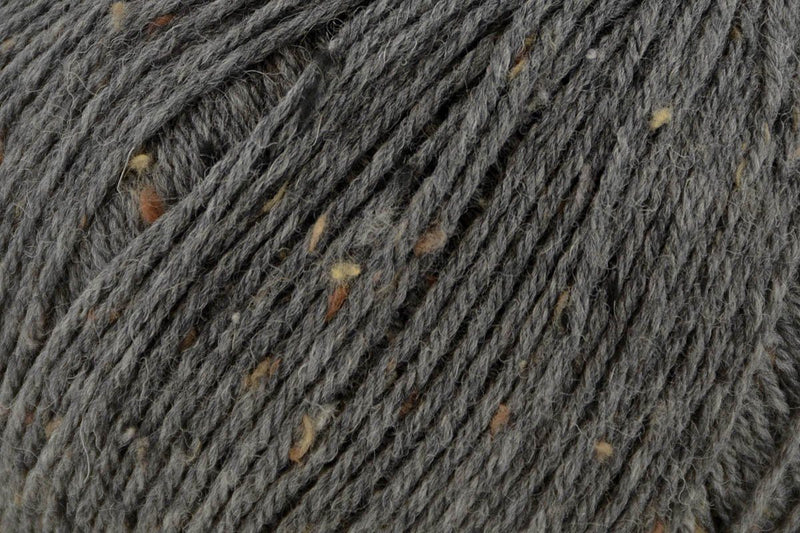 Deluxe Worsted Tweed Yarn Universal Yarn 914 Charcoal
