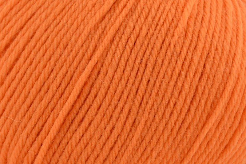 Deluxe Worsted Superwash Yarn Universal Yarn 704 Nectarine