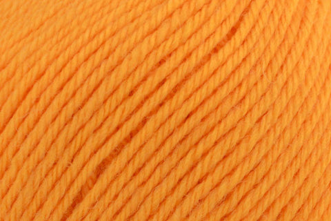 Deluxe Worsted Superwash Yarn Universal Yarn 705 Orangesicle
