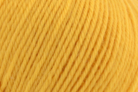Deluxe Worsted Superwash Yarn Universal Yarn 706 Marigold