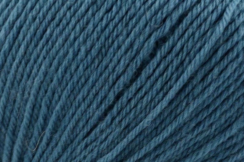 Deluxe DK Superwash Yarn Universal Yarn 814 Petrol Blue