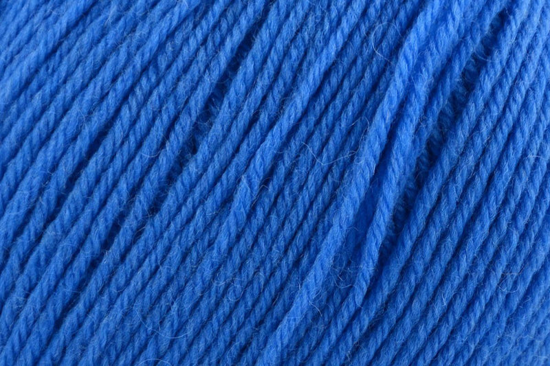 Deluxe DK Superwash Yarn Universal Yarn 816 Nitrox Blue