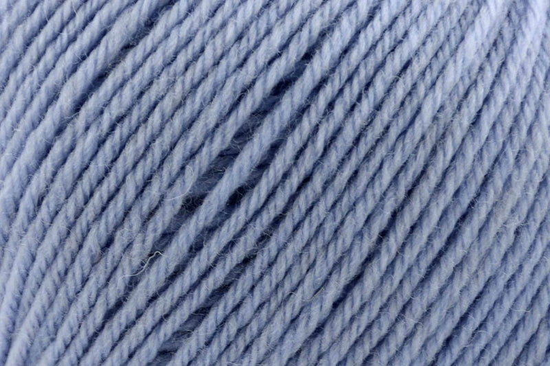 Deluxe Worsted Superwash Yarn Universal Yarn 718 Dusty Blue