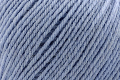 Deluxe Bulky Superwash Yarn Universal Yarn 918 Dusty Blue