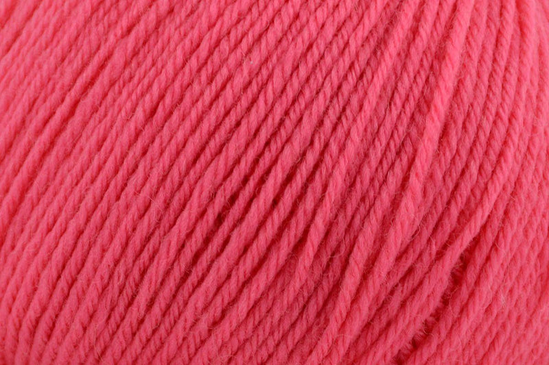Deluxe Worsted Superwash Yarn Universal Yarn 721 Honeysuckle