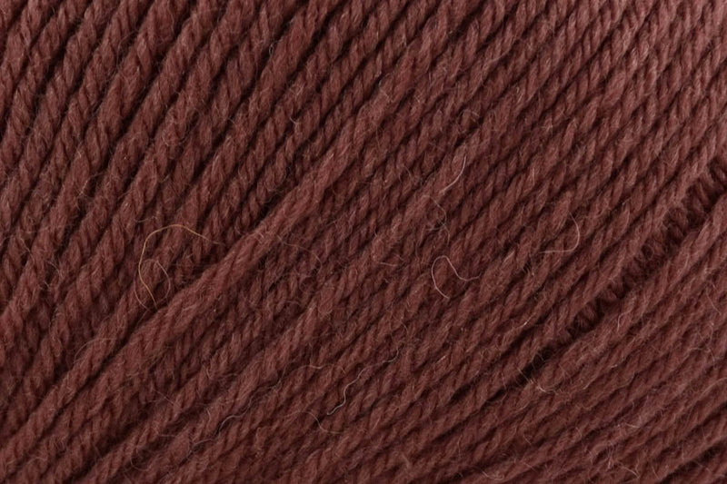 Deluxe Bulky Superwash Yarn Universal Yarn 927 Chocolate