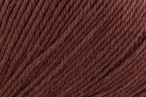 Deluxe Worsted Superwash Yarn Universal Yarn 727 Chocolate