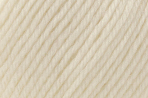 Deluxe Worsted Superwash Yarn Universal Yarn 728 Pulp