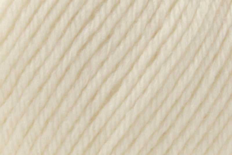 Deluxe Bulky Superwash Yarn Universal Yarn 928 Pulp