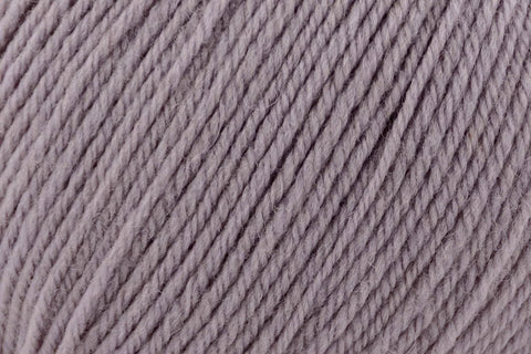 Deluxe DK Superwash Yarn Universal Yarn 829 Neutral Grey