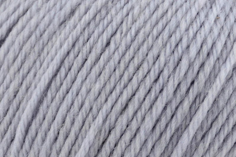 Deluxe DK Superwash Yarn Universal Yarn 832 Icy Grey
