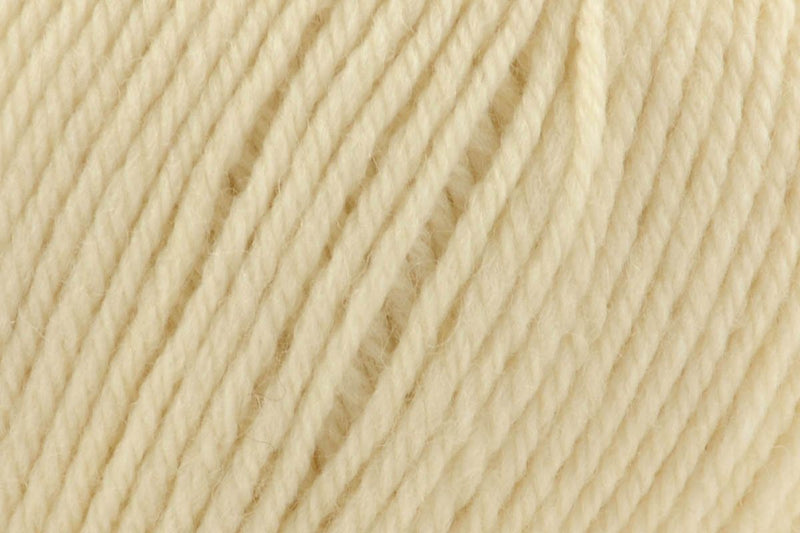 Deluxe Worsted Superwash Yarn Universal Yarn 734 Cream