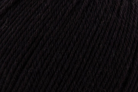 Deluxe Worsted Superwash Yarn Universal Yarn 735 Ebony