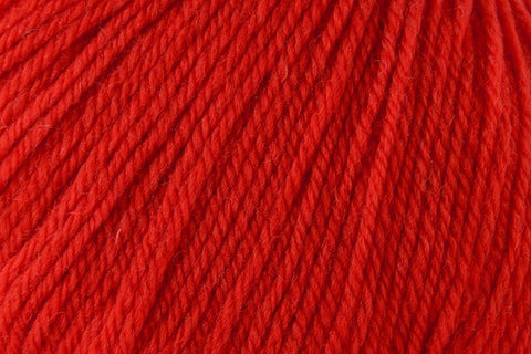 Deluxe Worsted Superwash Yarn Universal Yarn 736 Christmas Red
