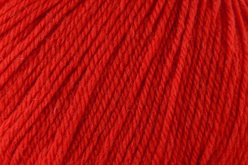 Deluxe Bulky Superwash Yarn Universal Yarn 936 Christmas Red