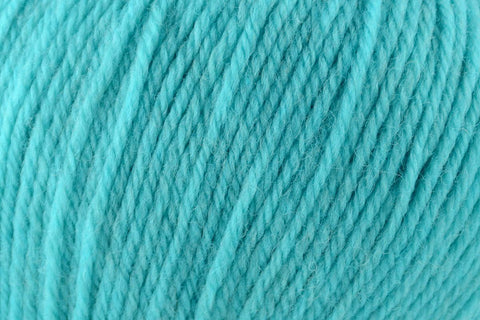 Deluxe Worsted Superwash Yarn Universal Yarn 739 Turquoise