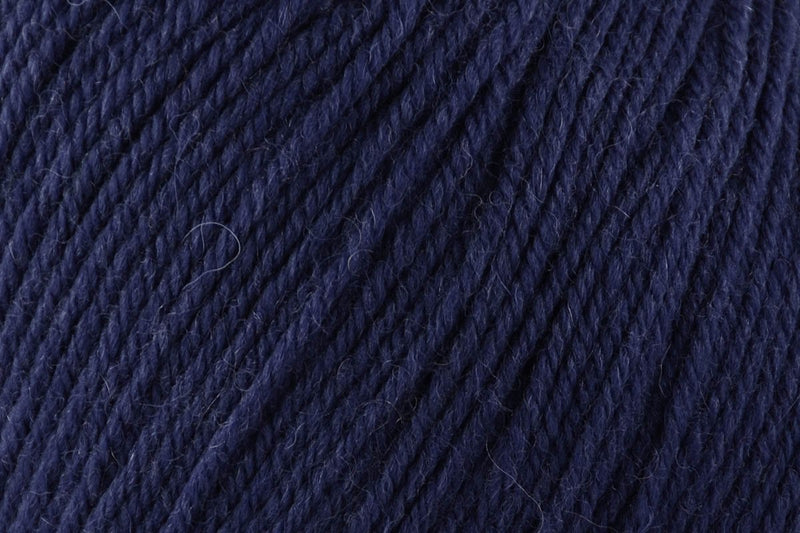 Deluxe Worsted Superwash Yarn Universal Yarn 740 Twilight