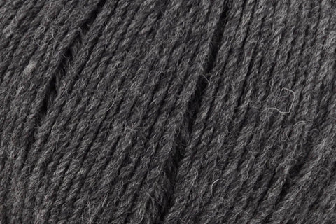 Deluxe Worsted Superwash Yarn Universal Yarn 750 Charcoal Heather