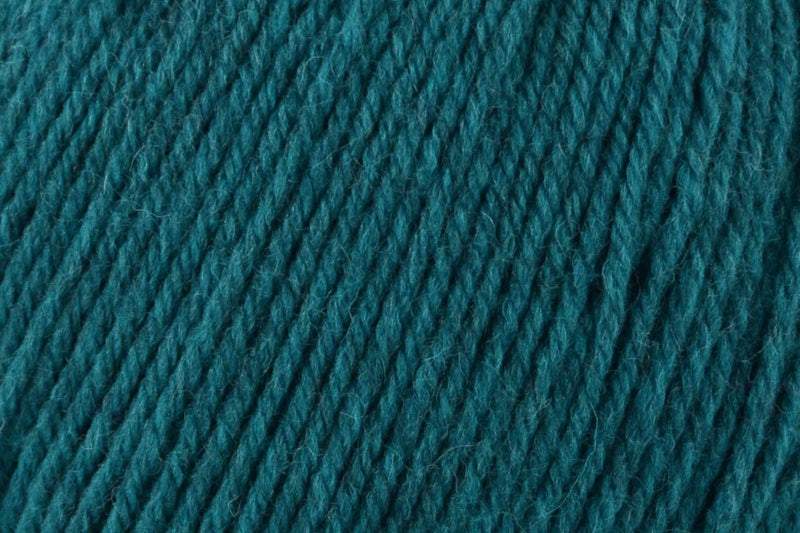 Deluxe Worsted Superwash Yarn Universal Yarn 753 Azure Heather