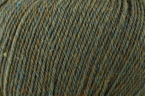 Deluxe Worsted Superwash Yarn Universal Yarn 754 Shamrock Heather
