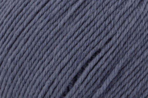 Deluxe Worsted Superwash Yarn Universal Yarn 760 Indigo