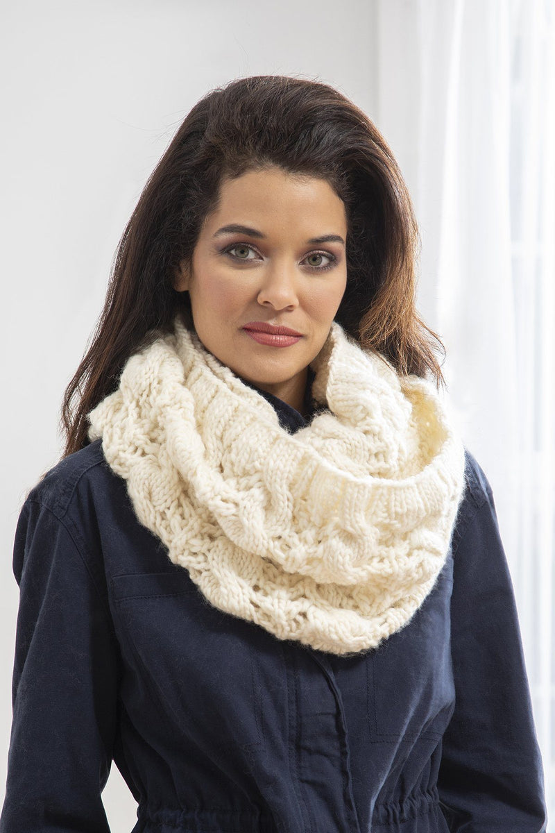 Flurry Cowl Pattern Rozetti Yarns