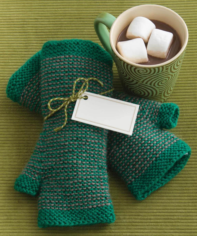 50 Garter Stitch Gifts to Knit: The Ultimate Easy-to-Knit Collection Featuring Universal Yarn Deluxe Worsted Book Universal Yarn