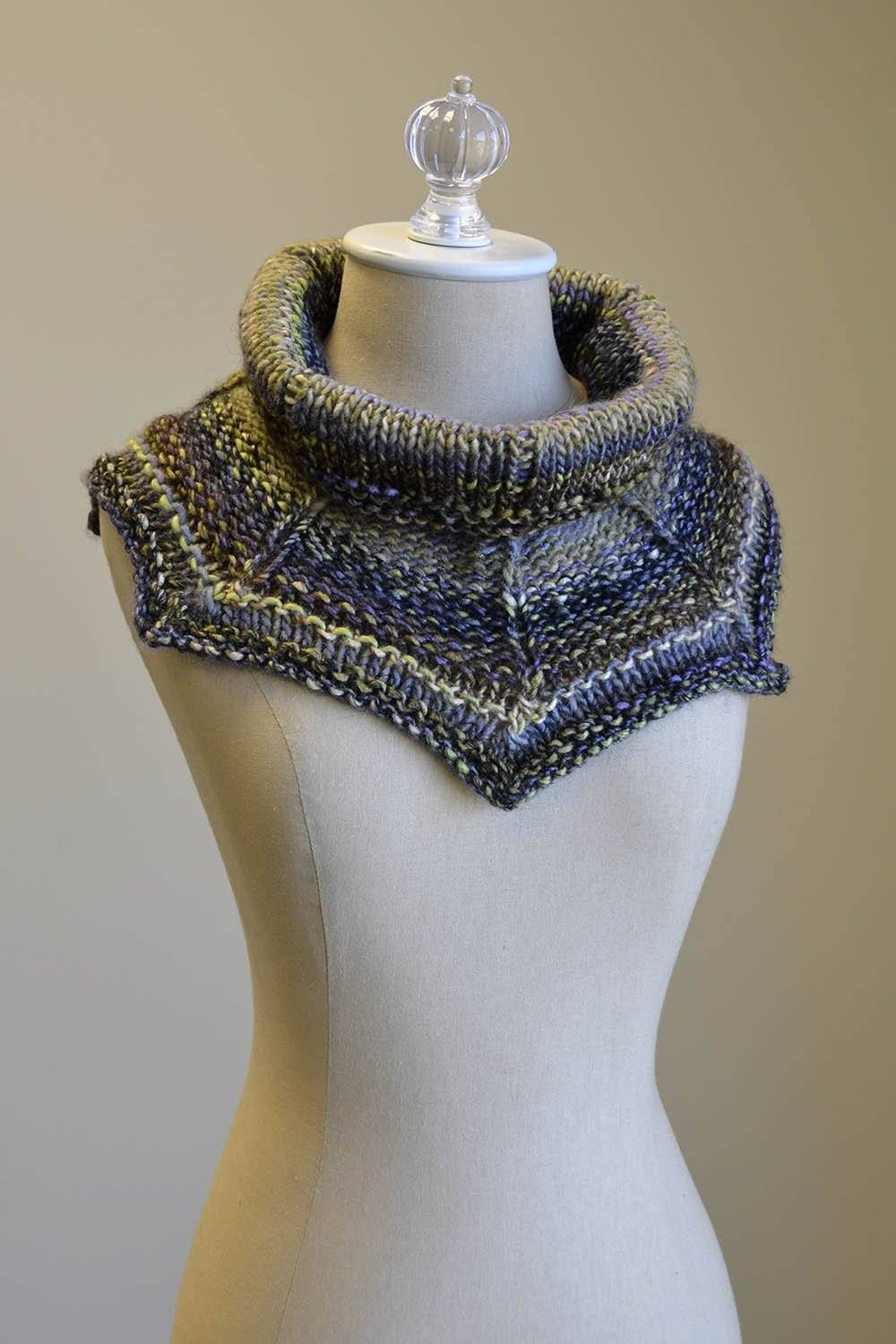 Get to the Point Cowl Pattern Universal Yarn