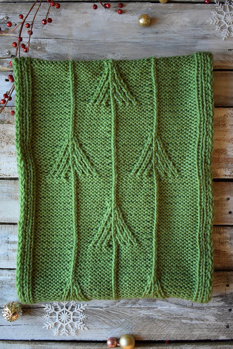12 Days - Mountain Pines Cowl Kit Kit Universal Yarn