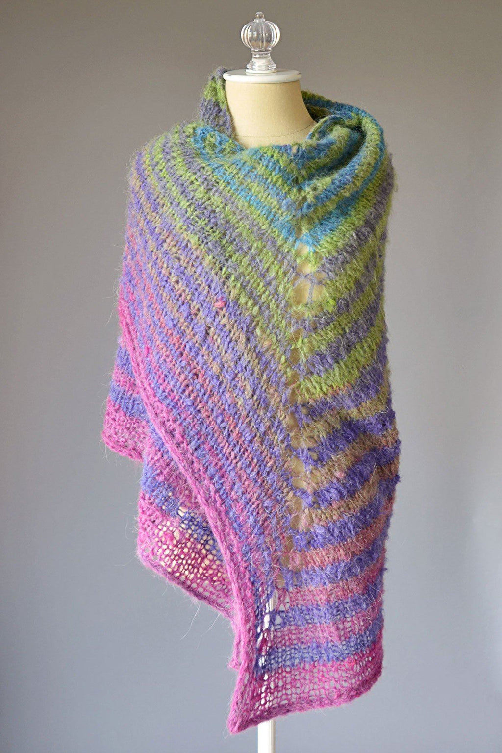 Skewed Shawl Pattern Universal Yarn