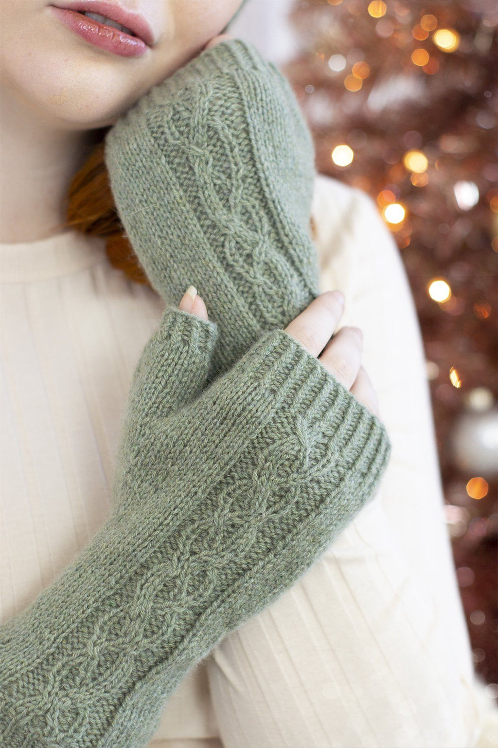 Sugar and Sage Mitts Pattern Fibra Natura