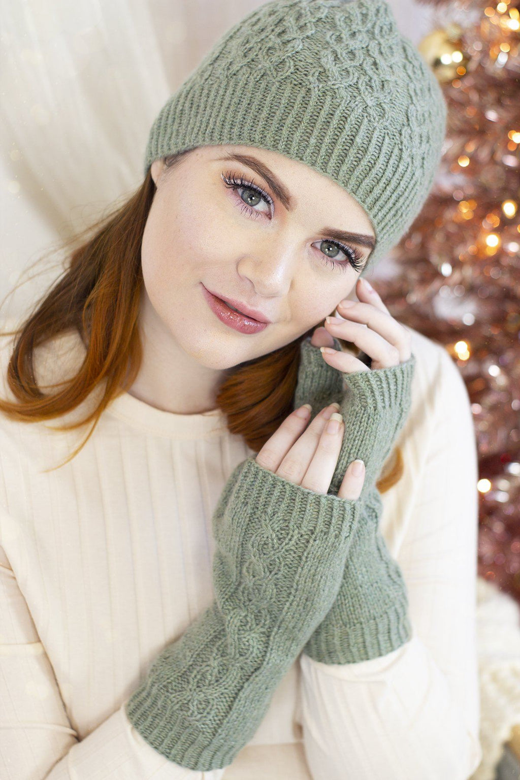 12 Days - Sugar and Sage Hats & Mittens Kit Universal Yarn Option 1: Hat + Mitts