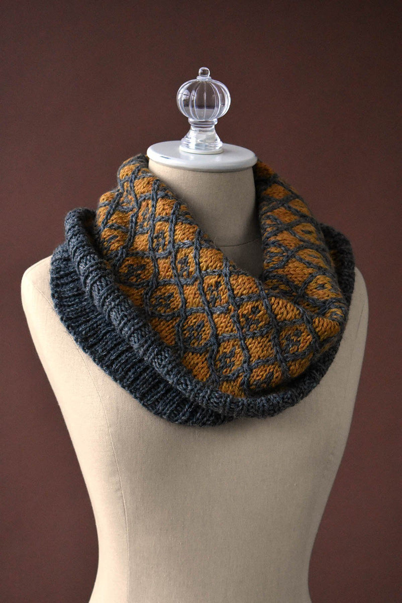 Willowwork Cowl Pattern Universal Yarn