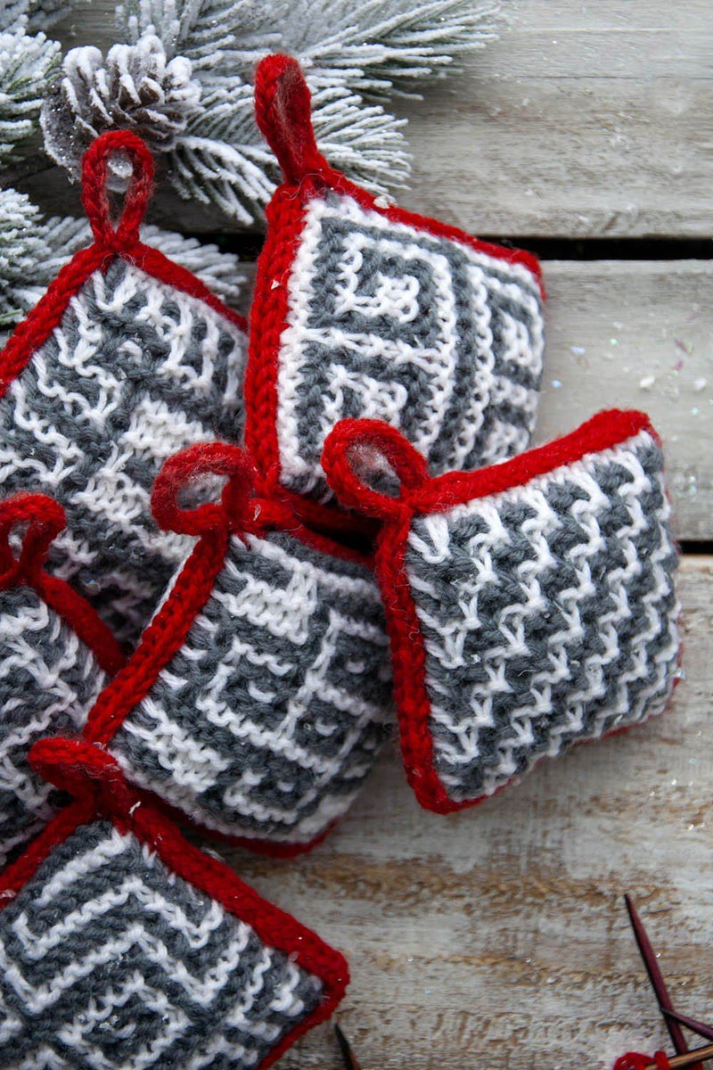 Mosaic Ornaments Pattern Universal Yarn