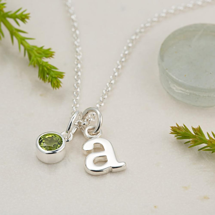 Personalised August Birthstone Necklace (Peridot) - Lily Charmed