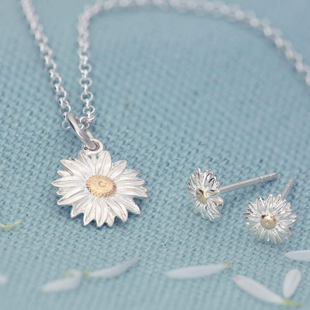 Silver Daisy Jewellery Set With Stud Earrings