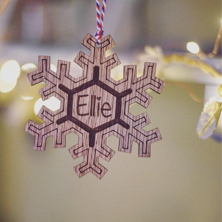 Personalised Wooden Hanging Snowflake Decoration | Stocking Filler Idea | Engraved Christmas Tree Decoration | Snowflake Name Hanging Sign