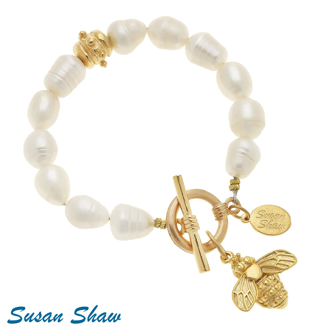 Gold Bee Charm & FW Pearl Toggle Bracelet