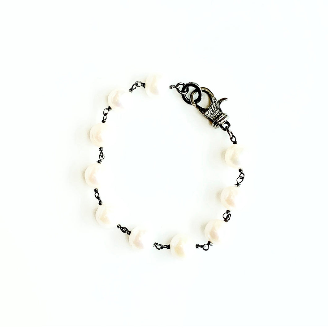 Round Freshwater Pearl Bracelet with Diamond Clasp
