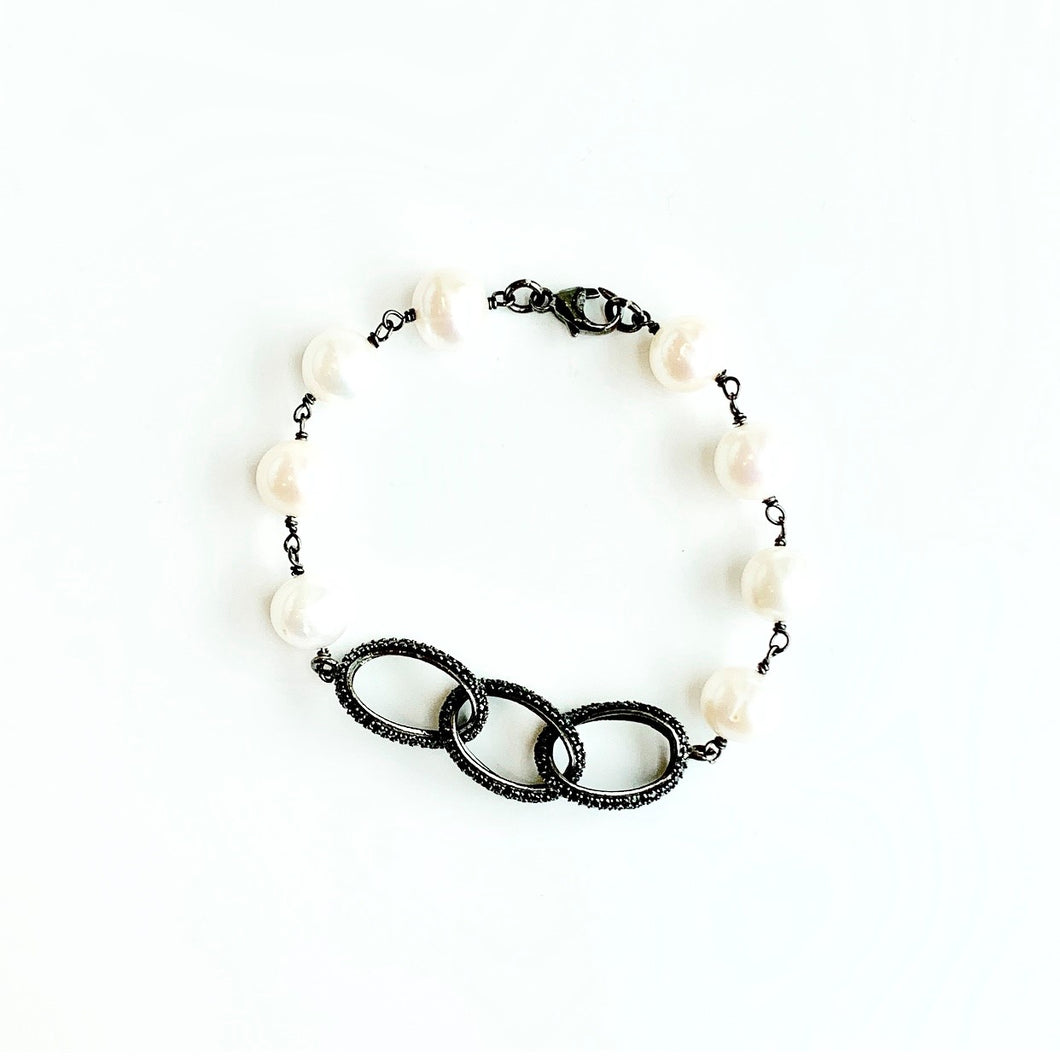 Freshwater Pearl Bracelet with Black Spinel Links